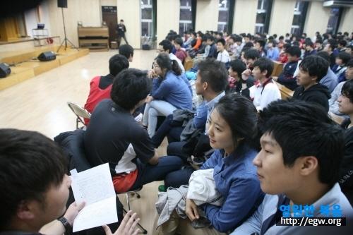 학생들의 통역.JPG